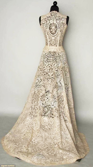 BRUSSELS MIXED LACE WEDDING GOWN 1940 Handmade bobbin Pt de Gaz needle